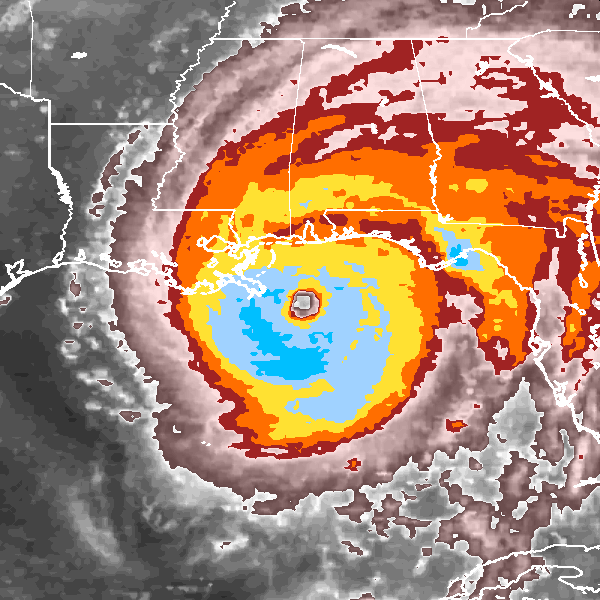 Hurricane Ivan making landfall in the southern United States